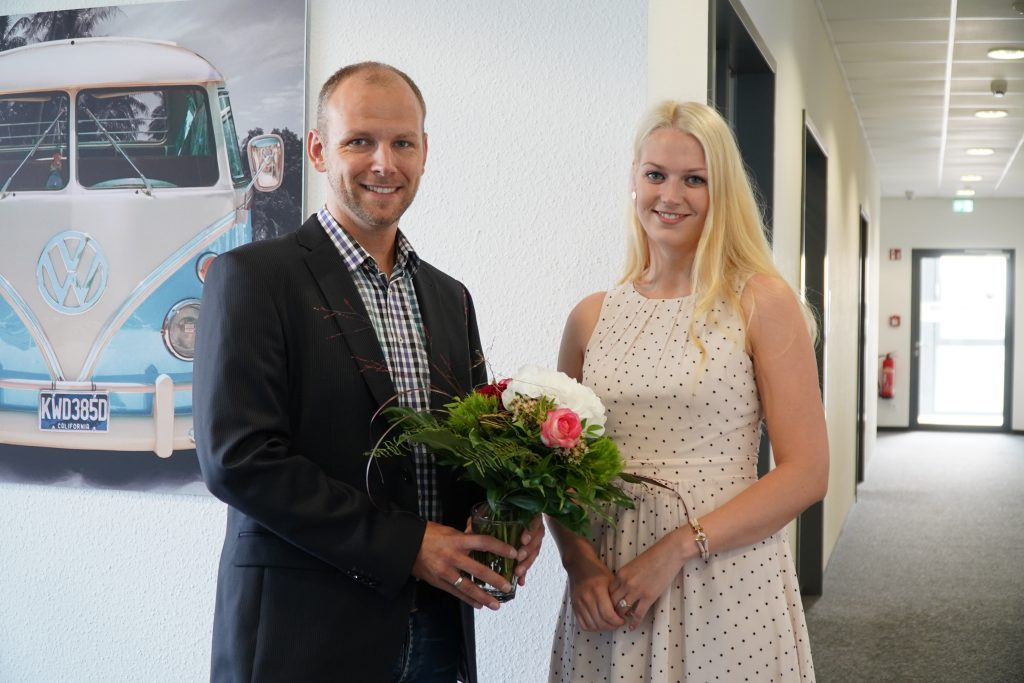 Technischer Fachwirt - Sicon gratuliert Romy Ziegler zu ihrer bestandenen Prüfung.